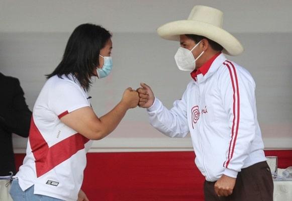 Pedro Castillo pide que el siguiente debate sea «en el penal Santa Mónica» y Keiko Fujimori anuncia que lo esperará «en la puerta»