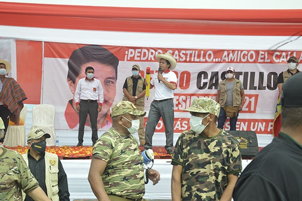 Pedro Castillo amenaza con eliminar las AFP