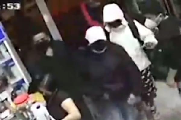 Comas: delincuentes armados asaltaron bodega y se llevaron 8 mil soles