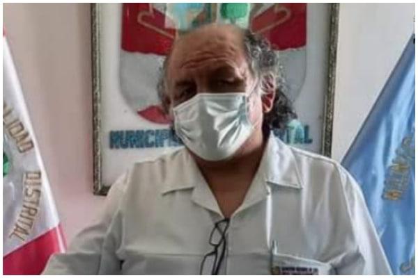 Director de hospital grave pese a vacuna de Sinopharm