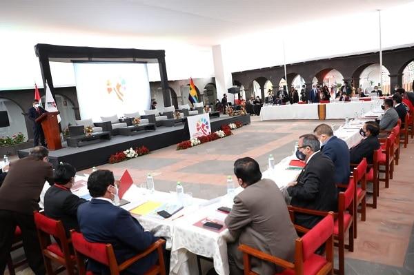 Comisión organizadora de la cumbre de la ANGR asegura que invitaron tanto a Pedro Castillo como Keiko Fujimori