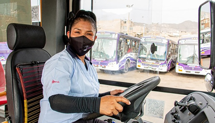 Más de 67 mil operadores de transporte obtuvieron credencial de la ATU
