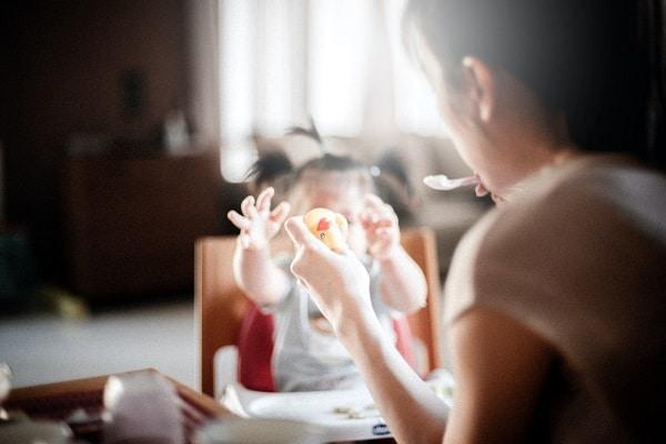 ¿Cómo saber si estamos alimentando correctamente a nuestros hijos?