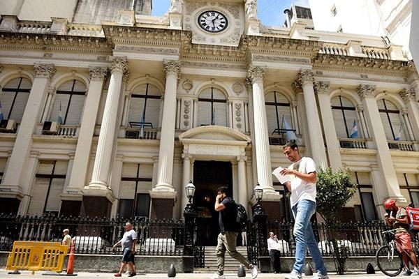 "Argentina deja de ser ""economía emergente"""