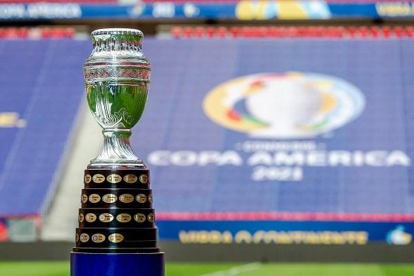 Sin Bolsonaro y con una insípida inauguración la Copa América dio el puntapié inicial