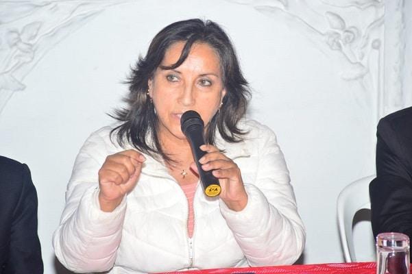Dina Boluarte alerta sobre un «golpe de Estado» organizado desde el JNE y llamó a «salir a defender el voto»