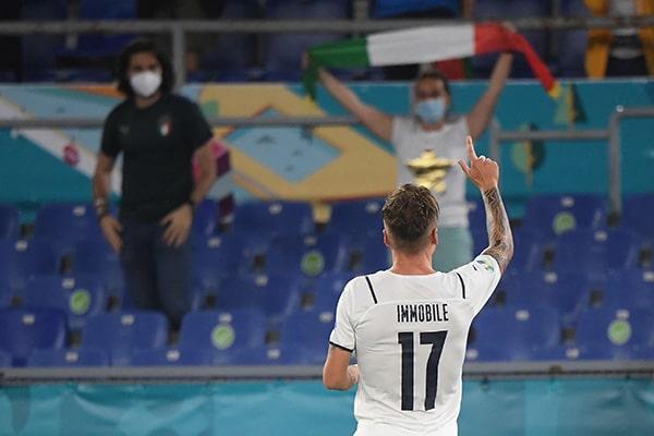 Italia vence 3-0 a Turquía por la primera fecha de la Eurocopa 2021