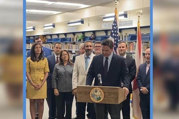 Estados Unidos: Florida aprobó ley para que colegios enseñen los «horrores del comunismo»