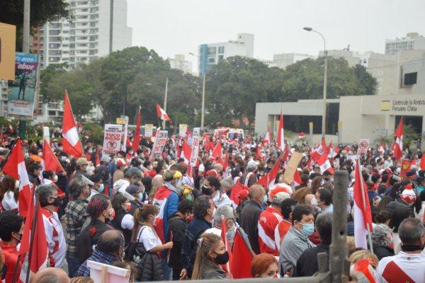 Keiko Fujimori: así se desarrolló la marcha «Respeta mi voto» y la «Vigilia por la democracia» | FOTOS
