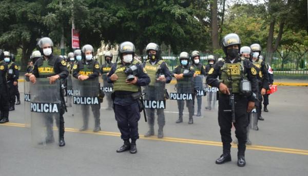 Más de 3,000 efectivos de la Policía estarán presentes en las dos marchas convocadas para este sábado