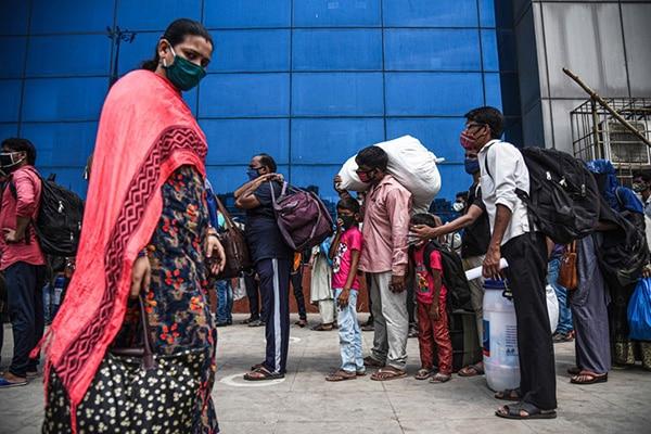 Miles en la India fueron inoculados con agua salada en lugar de recibir la vacuna contra la COVID-19