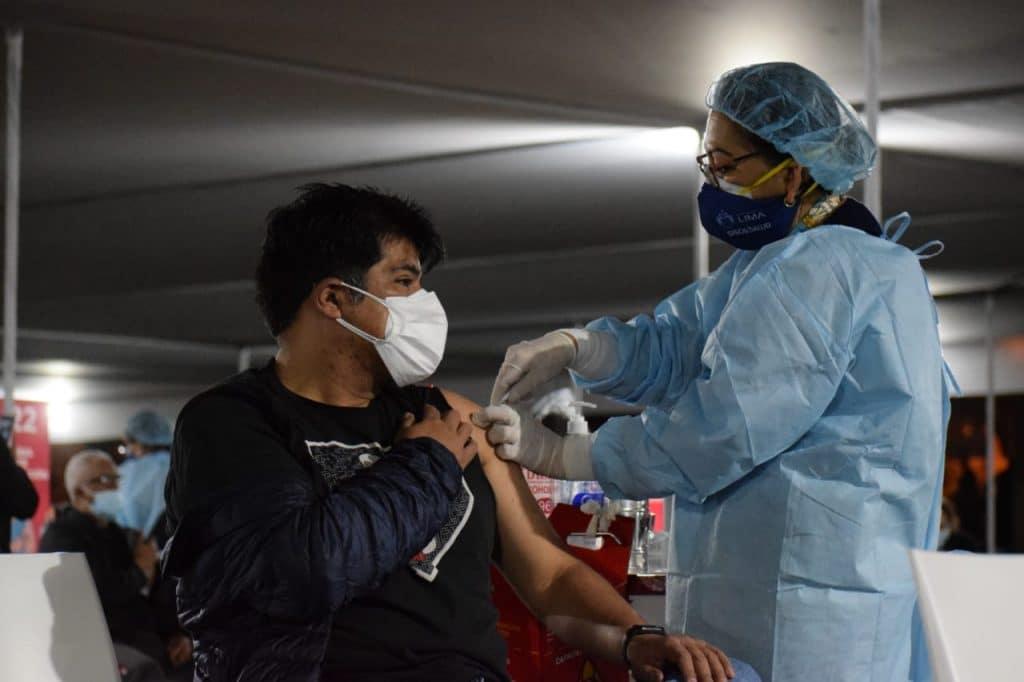 Defensoría del Pueblo pide al Minsa investigación tras vacunación de limeños en Chincha
