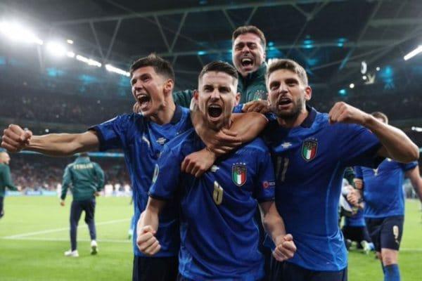 Italia venció por penales a España (4-2) y se clasificó a la final de la Eurocopa