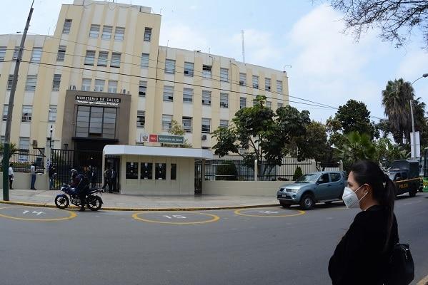Ministerio de Salud aprobó un plan de respuesta frente a eventual tercera ola pandémica