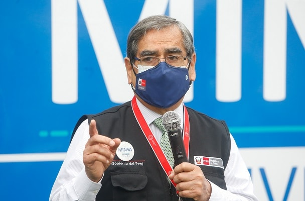 Óscar Ugarte anunció que a partir del 6 de julio se iniciará la vacunación de 200,000 maestros de comunidades nativas