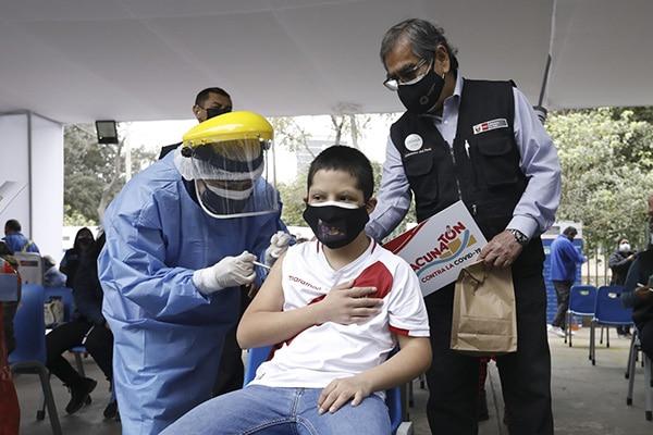 Minsa: vacunación de menores de 12 a 17 años que padezcan cáncer iniciará el martes 27 de julio