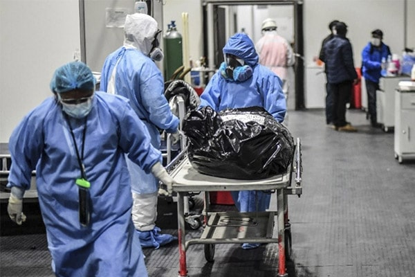 Perú llegará a 220 mil decesos por coronavirus a fin de mes