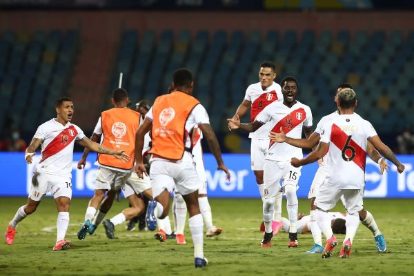 Francisco Sagasti celebró triunfo y clasificación de Perú en la Copa América 2021