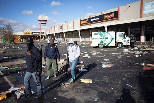 Sudáfrica: protestas y saqueos tras encarcelamiento del expresidente Zuma | VIDEO