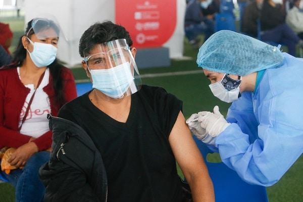 ¡Atención, Lima y Callao! Desde mañana se empezaría a inmunizar a jóvenes de 23 y 24 años