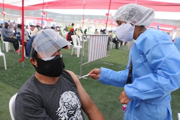 Minsa: personas mayores de 38 años recibirán primera dosis de Sinopharm en cuarta Vacunatón
