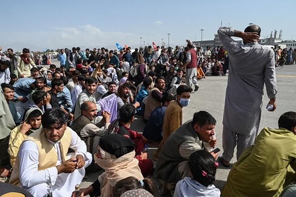 Afganistán: más de 73 muertos en atentado terrorista