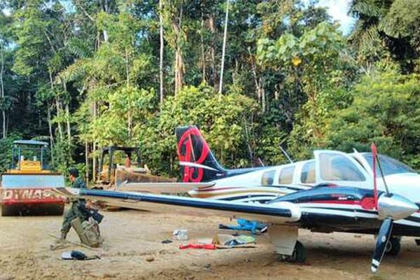 Incautan narcoavioneta y destruyen pista de aterrizaje