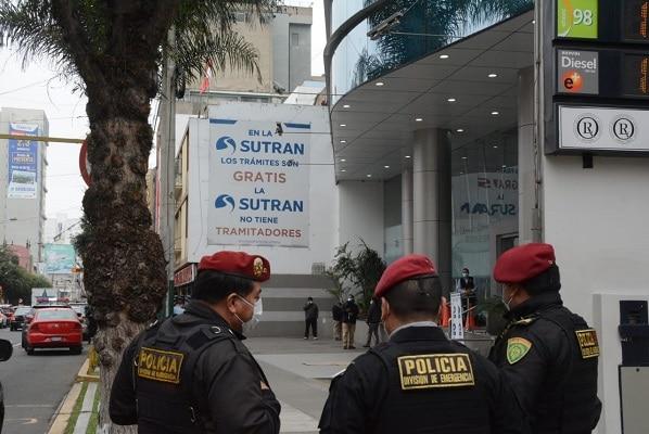 Ministerio Público y Policía Nacional allanan inmuebles de la Sutran y detienen a diversos inspectores