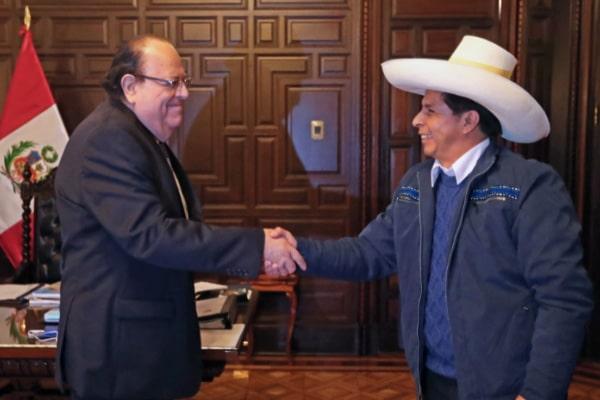 Presidente Pedro Castillo está incómodo con Julio Velarde