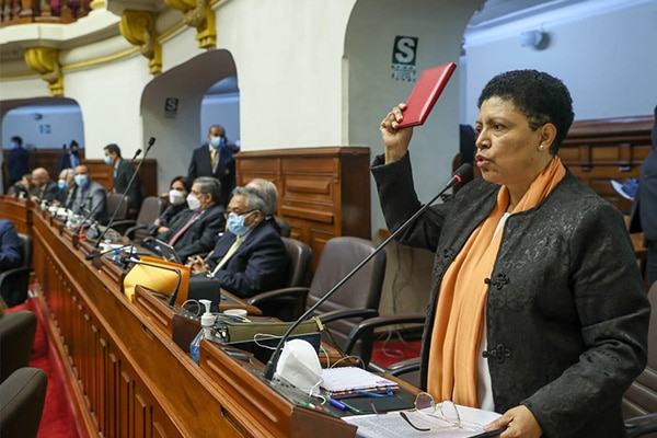 "Martha Moyano: ""Odian la democracia pero la utilizan"""