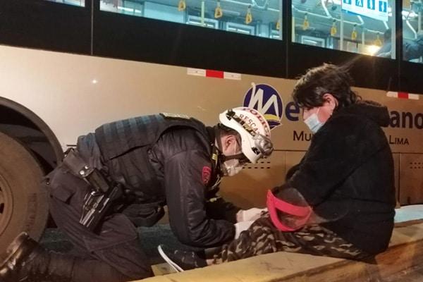 Metropolitano: maltratan a heridos tras despiste de bus
