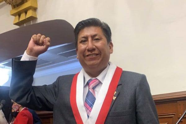 Congresista Waldemar Cerrón sería testaferro en cupos