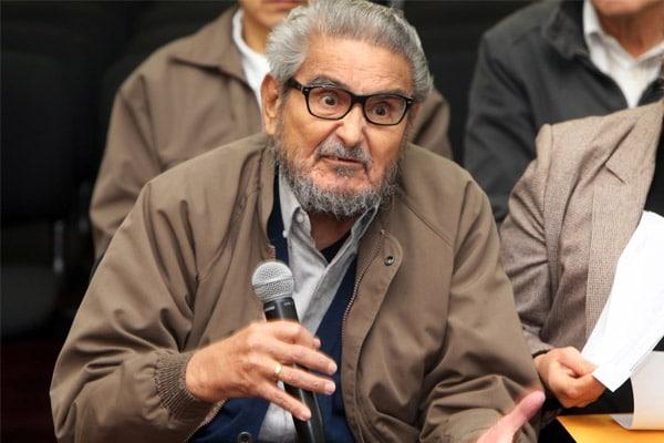 """Congreso: """"Consideramos que el cuerpo del genocida Abimael Guzmán debe ser incinerado"""""""