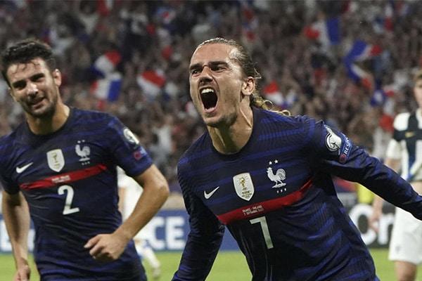 Francia vence por dos goles a Finlandia en las eliminatorias: «Vuelven a sonreír»
