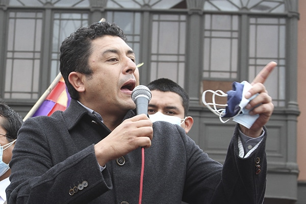 Bermejo a María del Carmen Alva: «No confunda su angurria de poder con el clamor popular»