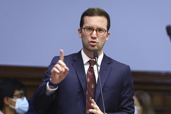 Cavero sobre demanda del Ejecutivo: «El Parlamento está convencido de la legalidad de lo hecho»