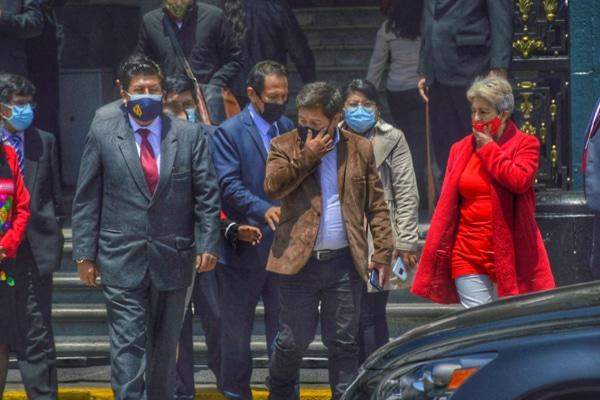 Perú Libre se quiebra por gabinete Vásquez