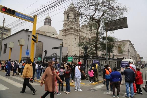 Señor de los Milagros: devotos podrán vacunarse contra la COVID-19 en exteriores de Iglesia Las Nazarenas