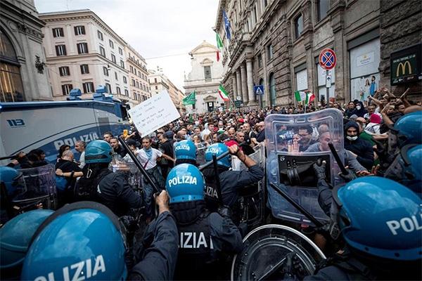 Italia: exigen ilegalizar los movimientos fascistas