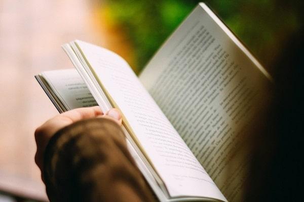 Cinco obras para leer mientras esperas que vuelvan Facebook, Instagram y WhatsApp