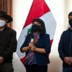 Puno: cocaleros levantarán paro, anunció Mirtha Vásquez tras reunión con dirigentes